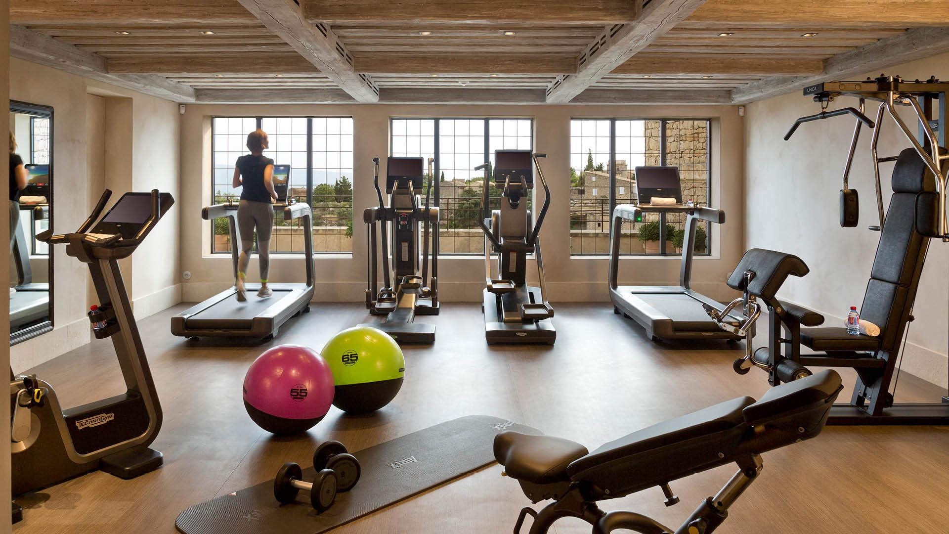 palace hotel de luxe 5 etoiles la bastide de gordes luberon provence spa sisley salle fitness