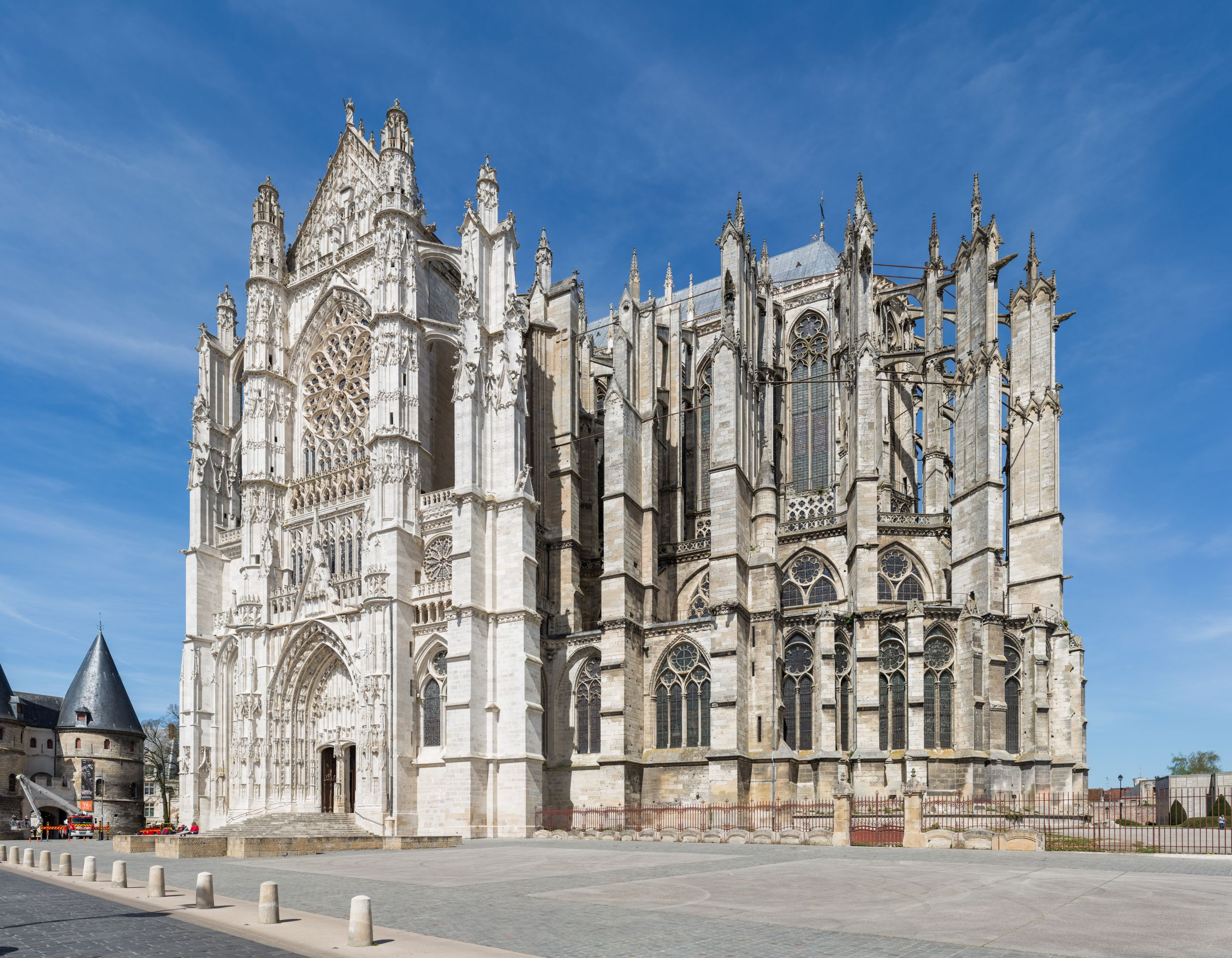 Beauvais Cathedral Exterior 1 Picardy France Diliff