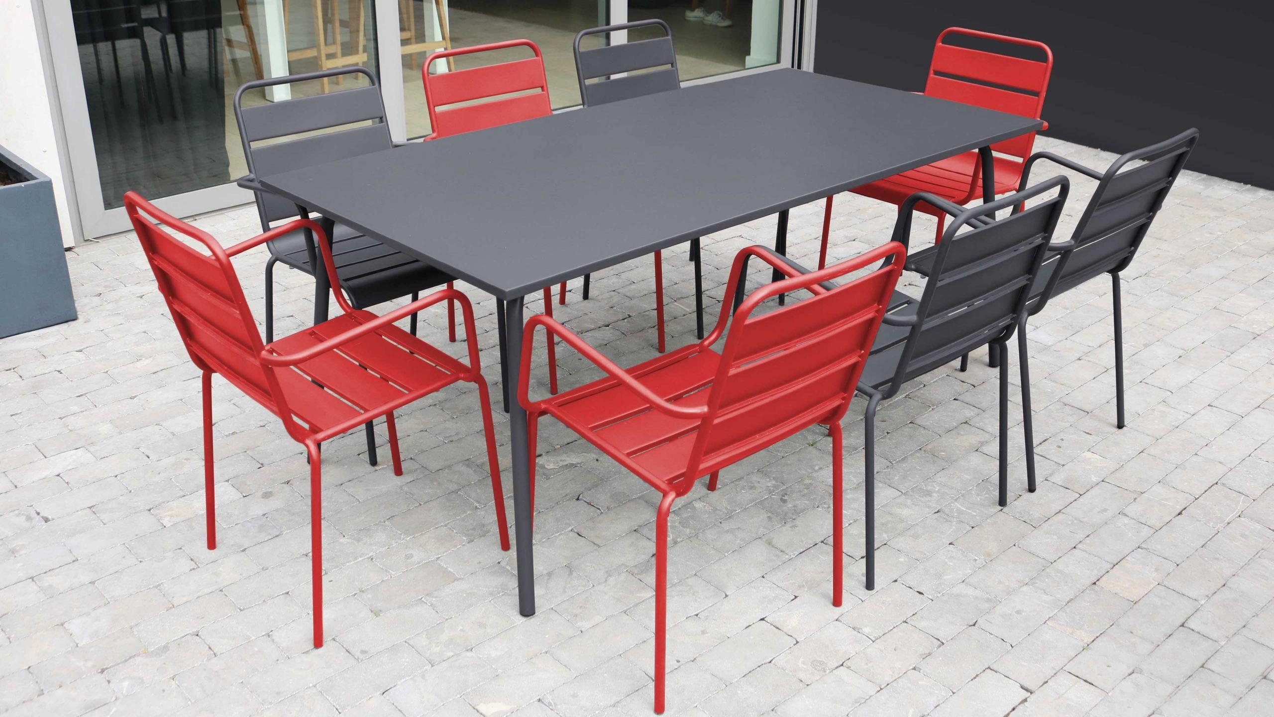 salon de jardin en metal 1 table et 8 fauteuils