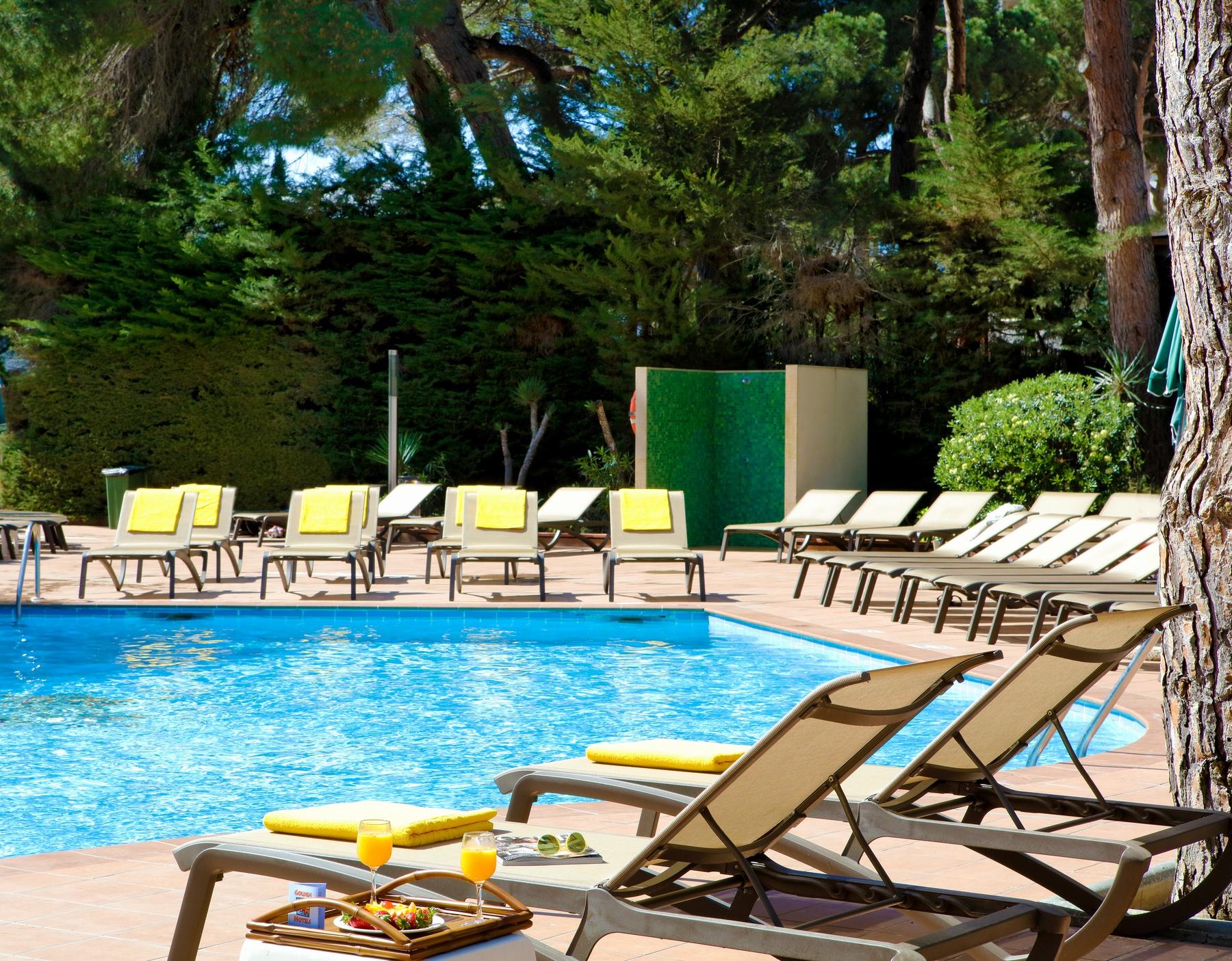 00 piscina actividades hamacas 2