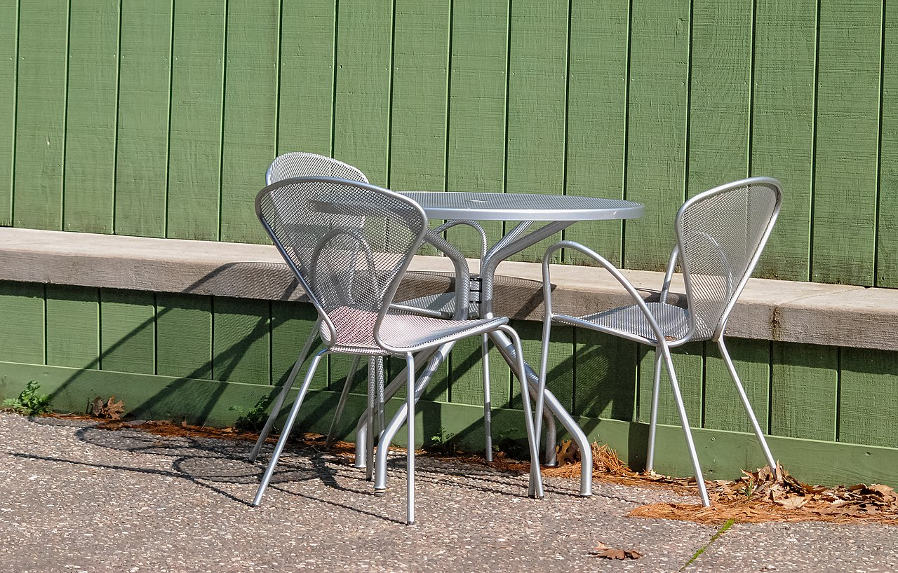 1280px Metal Table and Chairs OBJT CH 2
