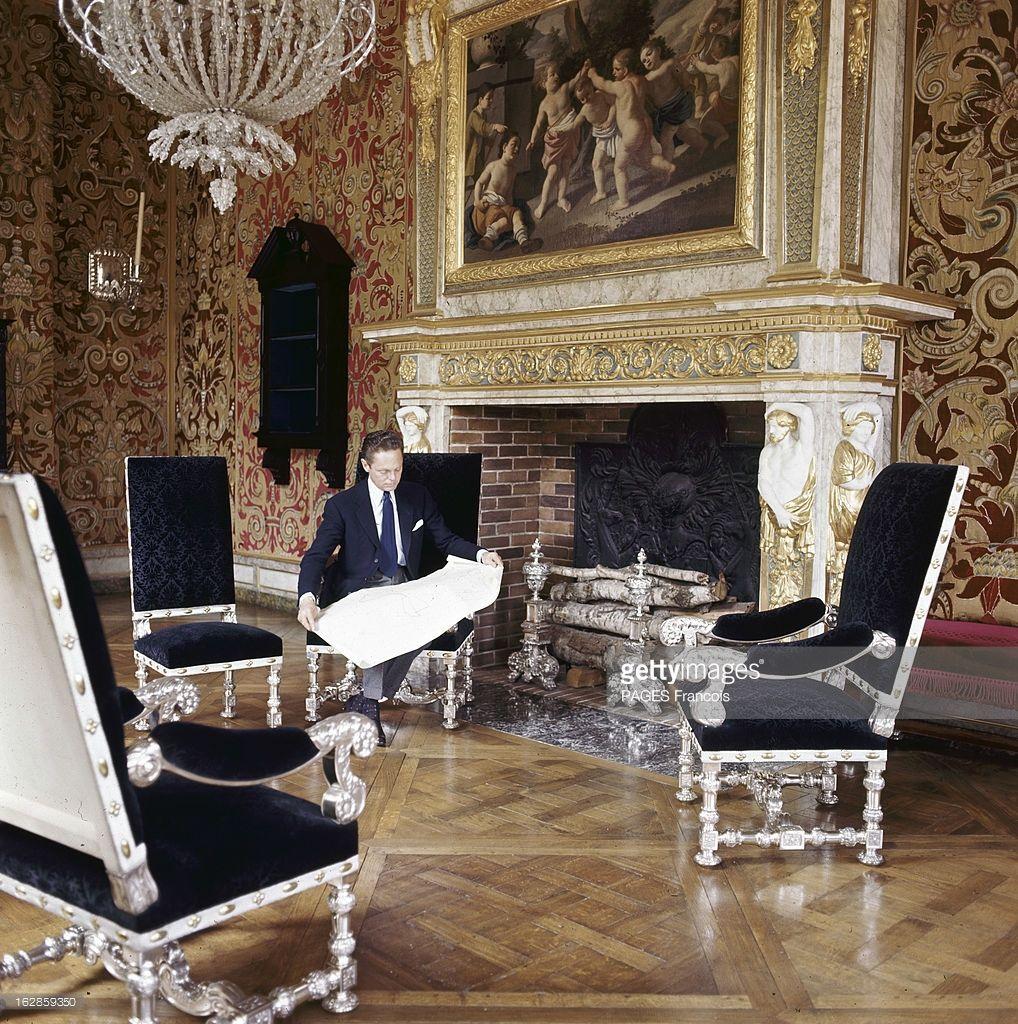 Fauteuil De Table Nouveau Рандеву С Бароном АРексисом Де Реде В Париже АН 1964 данс