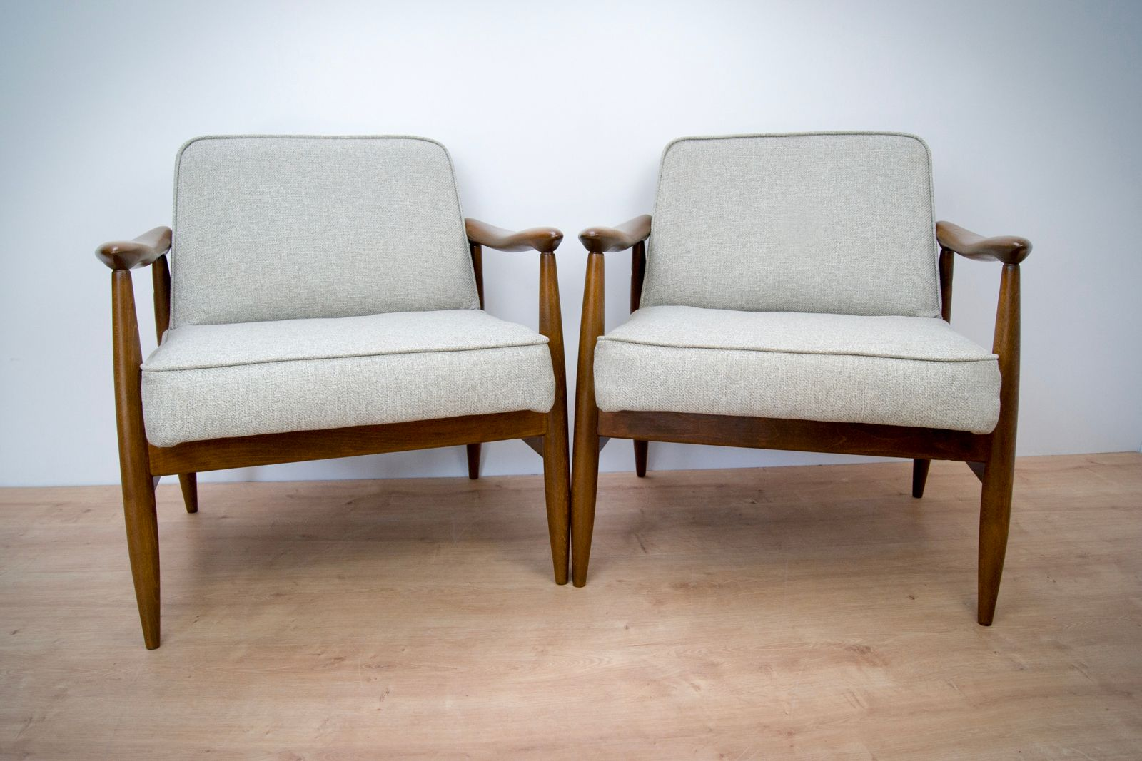 fauteuils gfm 87 mid century par juliusz kedziorek pour goscicinskie set de 2 2
