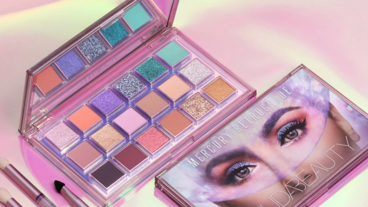 Idee Palette Élégant Huda Beauty S New Extraterrestrial Mercury Retrograde Of 21 Charmant Idee Palette