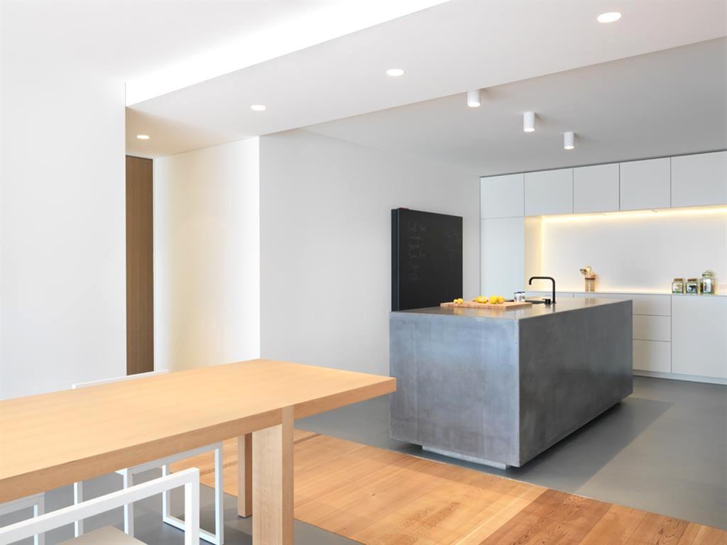 separation salon couloir manger et entree maroc entre salle en bois avec meuble clair salon decoration salle but tapis ronde bain blanc murale et cheminee tissu avec deveil fillette gri longueur gris