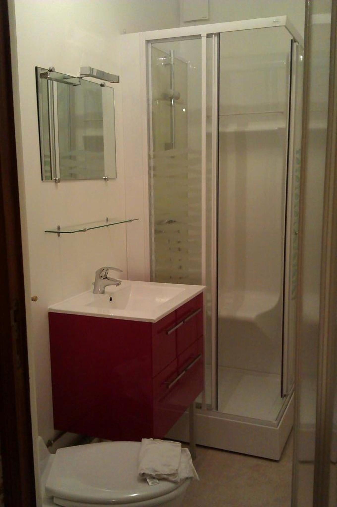 salle d eau design petite avec nouveau renovation 20 dans id es de coration idees et c3 a9es a9coration bains at r novation bain chauny