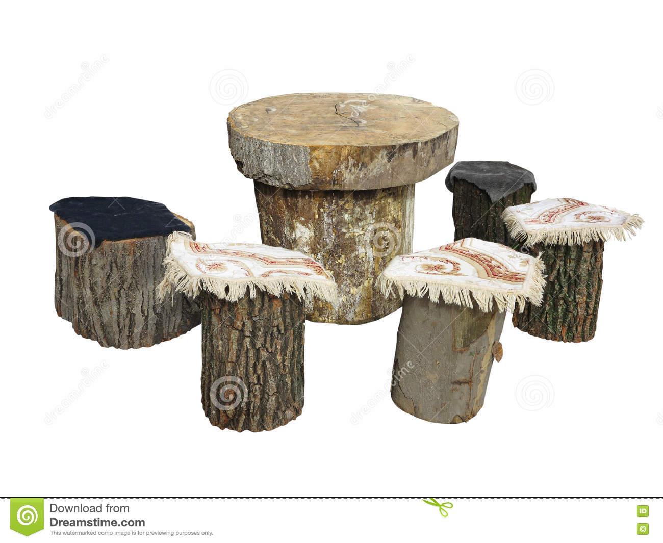 meubles de jardin faits à partir du rondin en bois d isolement sur le blanc