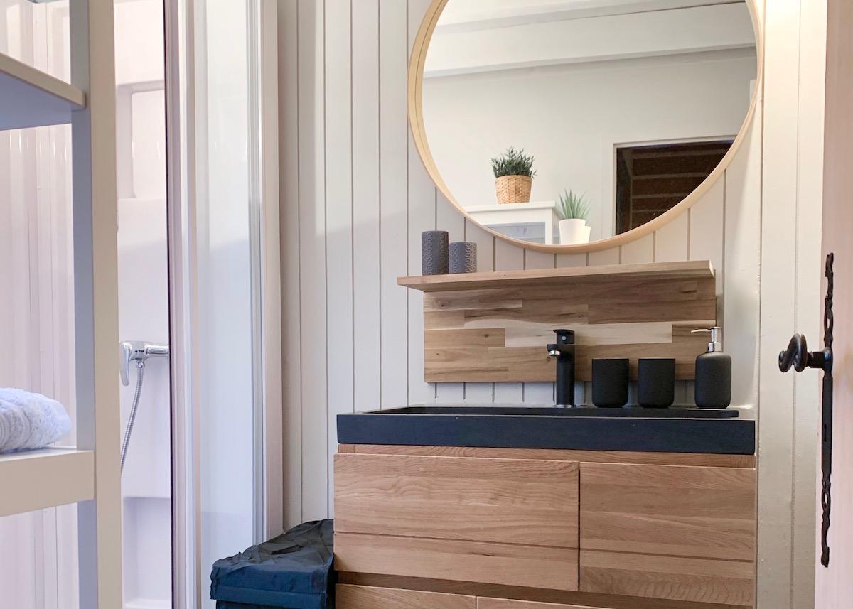 renovation salle de bain du chalet meuble chene vasque pierre design moderne cosy blog deco clem around the corner