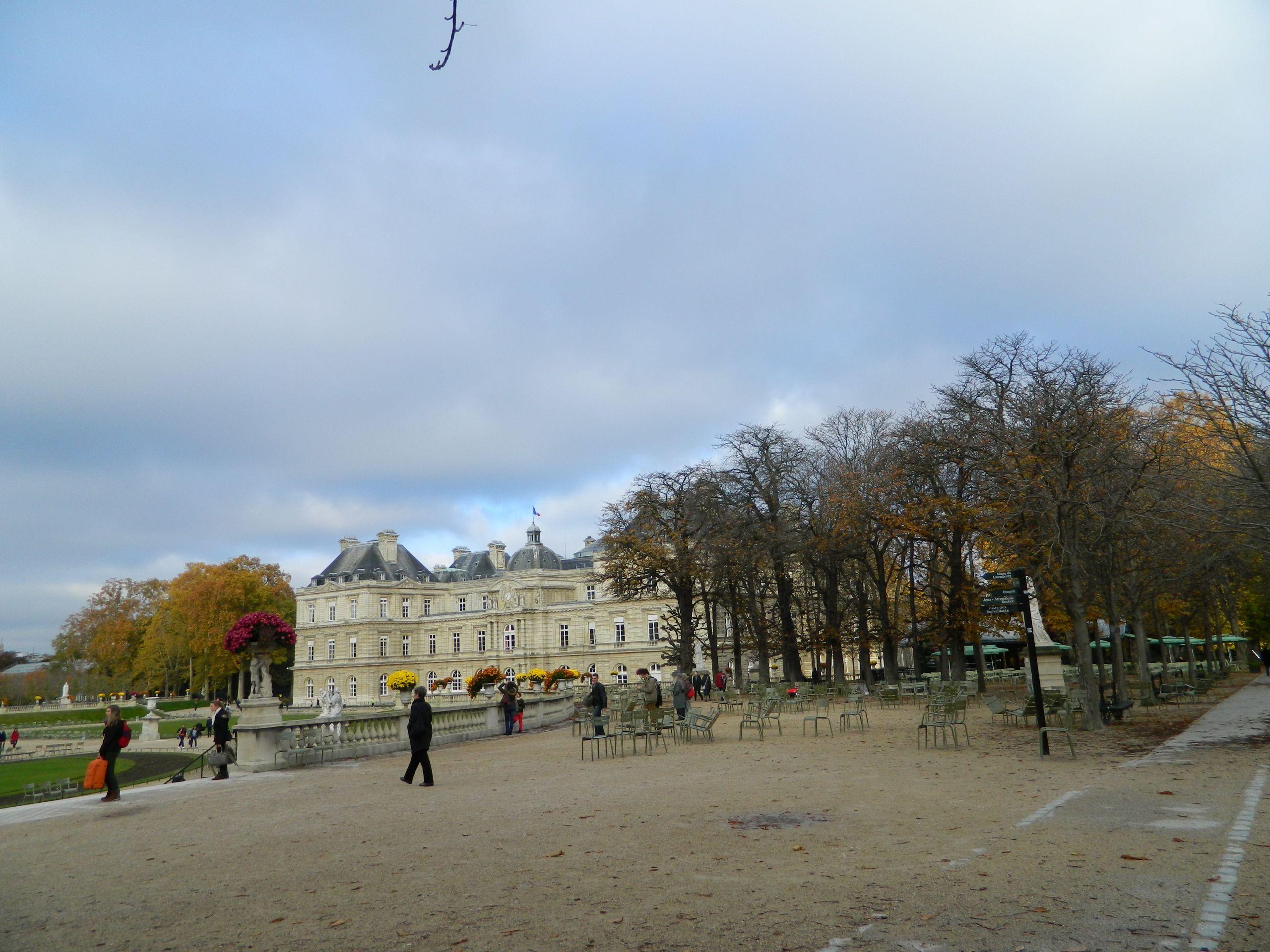 Paris Jardin du Luxembourg Fer à Cheval terrasse est 01