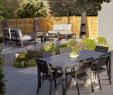 Salon De Jardin Confortable Beau Cette Table Affiche Un Style Naturel Des Plus Tendances