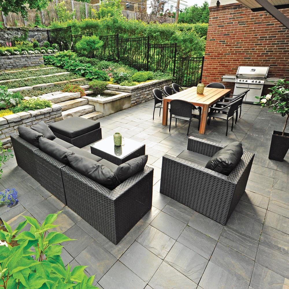 salon et cuisine exterieure sur la terrasse