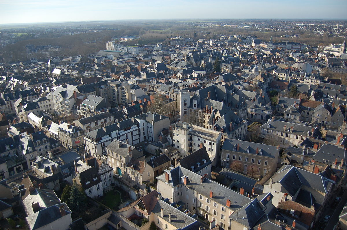 1200px Bourges JPG