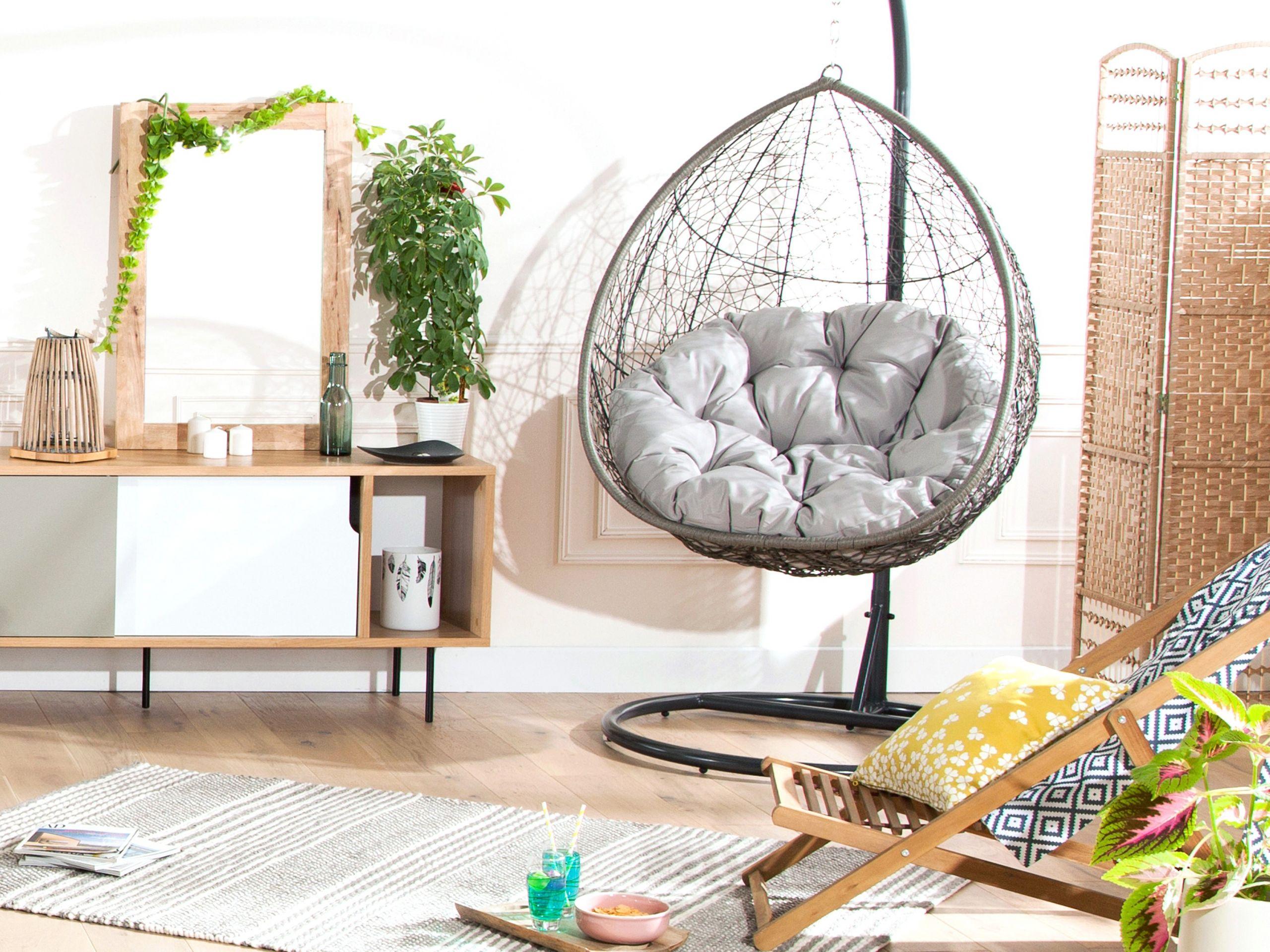 chaise suspendue interieur avec fauteuil suspendu en acier et r sine tress e taupe ovalang idees jha 0403 2250 p07 jardin resine tressee 3000x2250px in