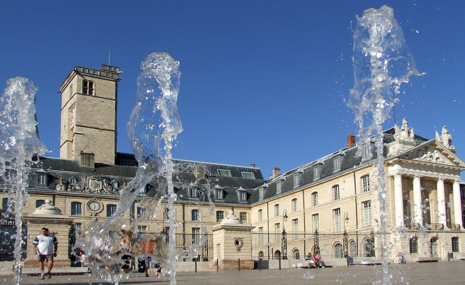 1920px Dijon Palais des Ducs de Bourgogne 101