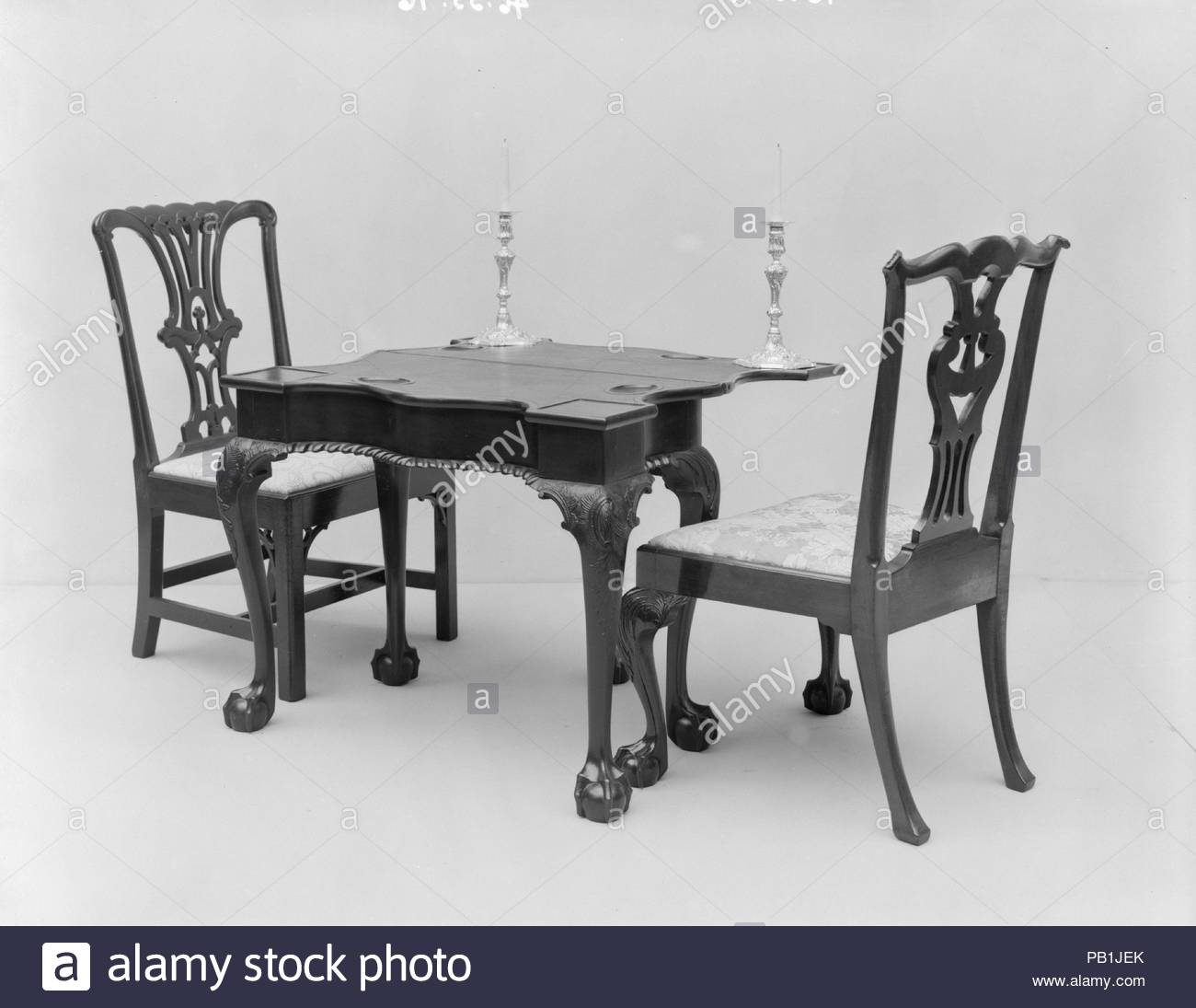 card table culture american dimensions 27 78 x 34 38 x 33 14 in 708 cm x 873 cm x 845 cm date 1760 90 museum metropolitan museum of art new york usa PB1JEK