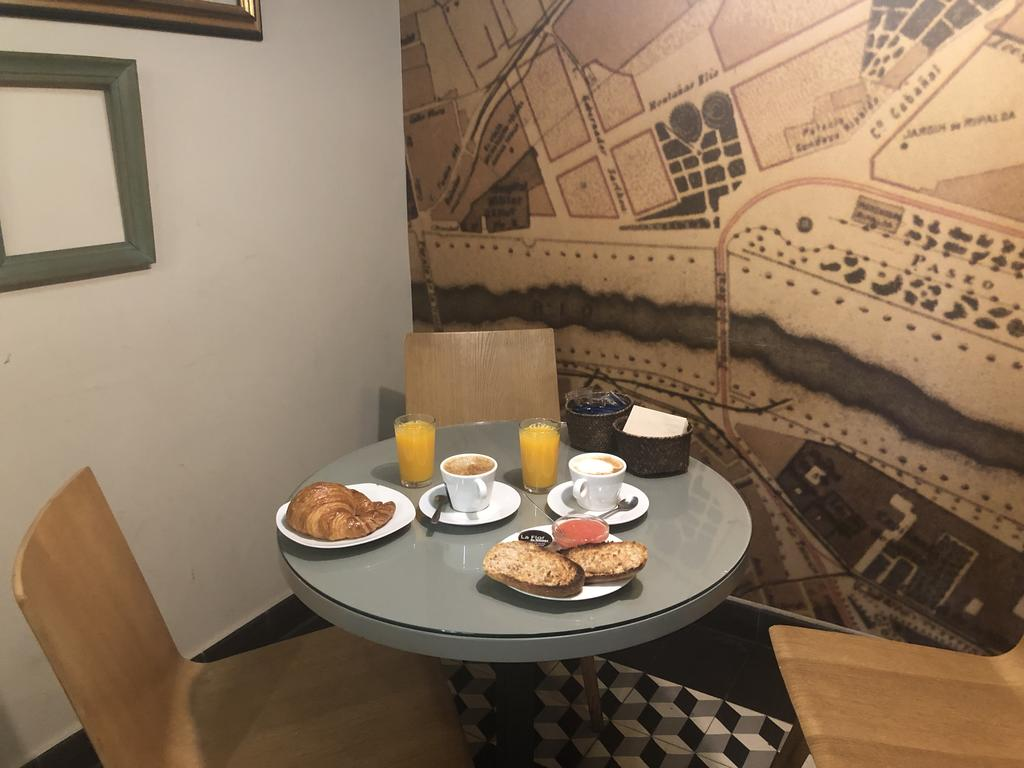 Table Jardin Composite Best Of Апартаменты Vivienda Dise'o Con Jardn Interior Испания Of 34 Élégant Table Jardin Composite