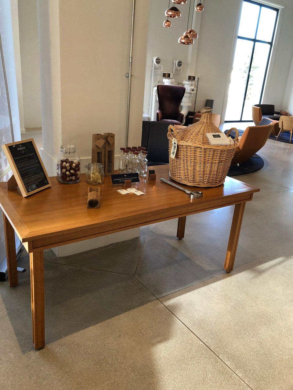 Table Jardin Design Beau Martell Cognac S Visitors Center Коньяк Ручшие советы