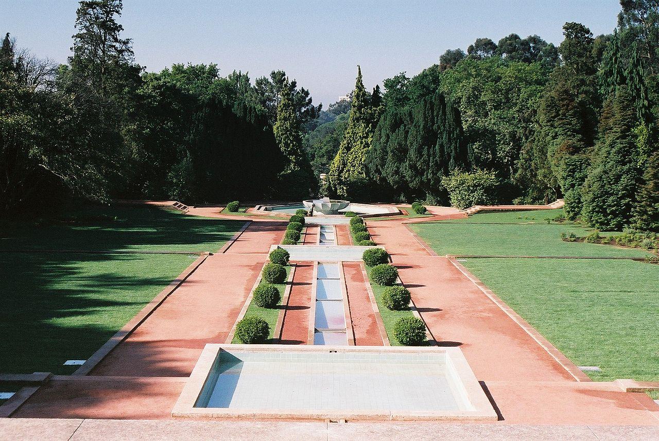 1280px Casa e jardins de Serralves 4