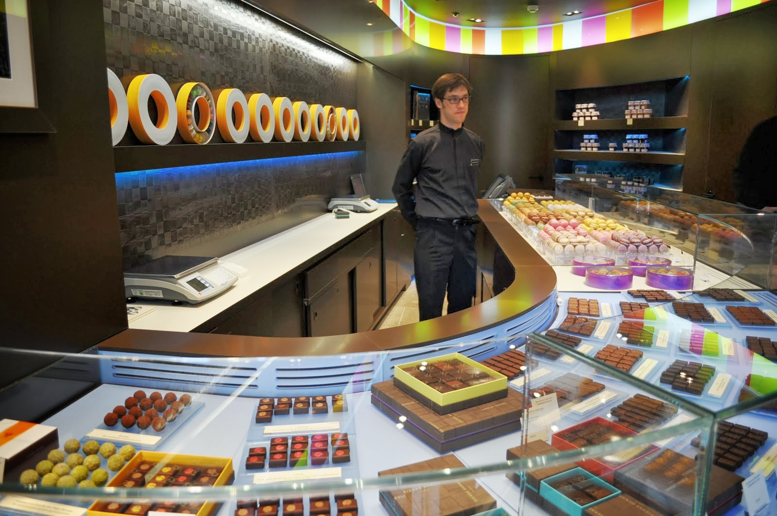 Pierre Herme macarons London store Belgravia review JPG