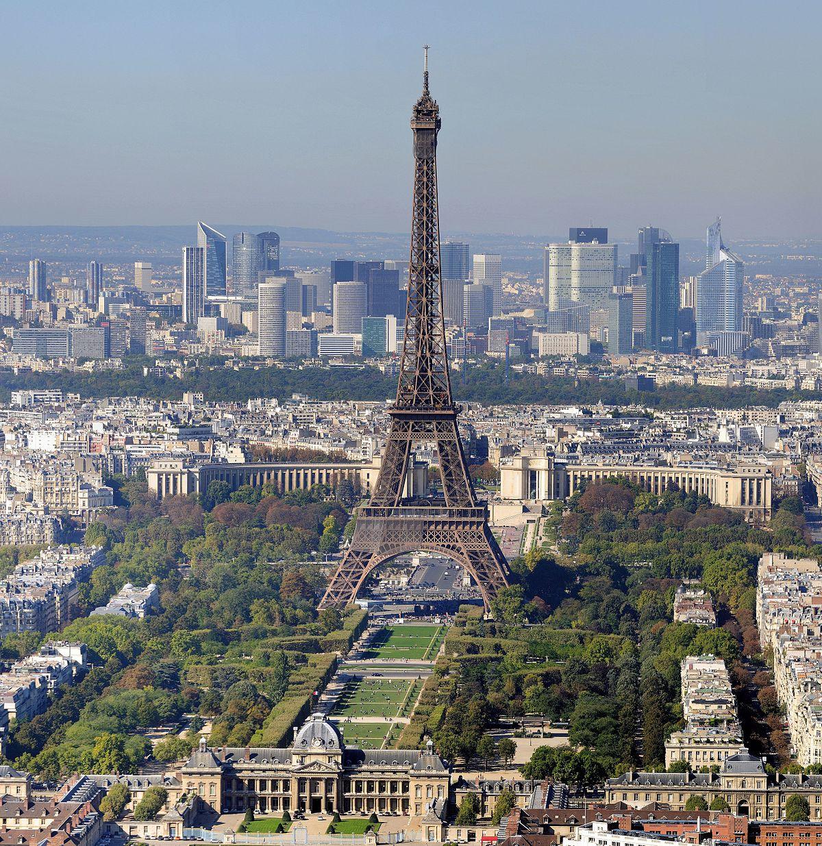 1200px Paris Eiffelturm und Marsfeld2