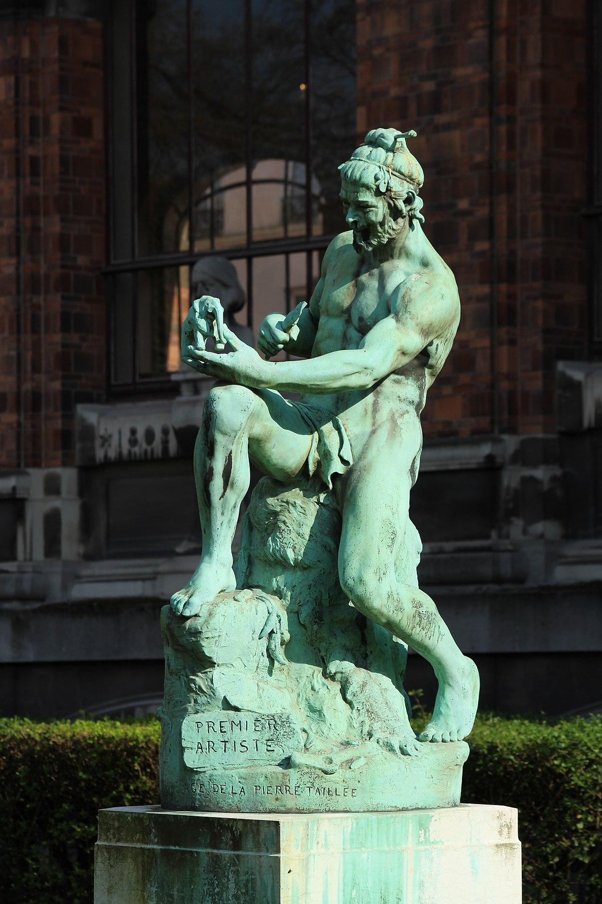 1200px Premier Artiste statue de Paul Richer dans le Jardin des plantes à Paris le 3 avril 2017