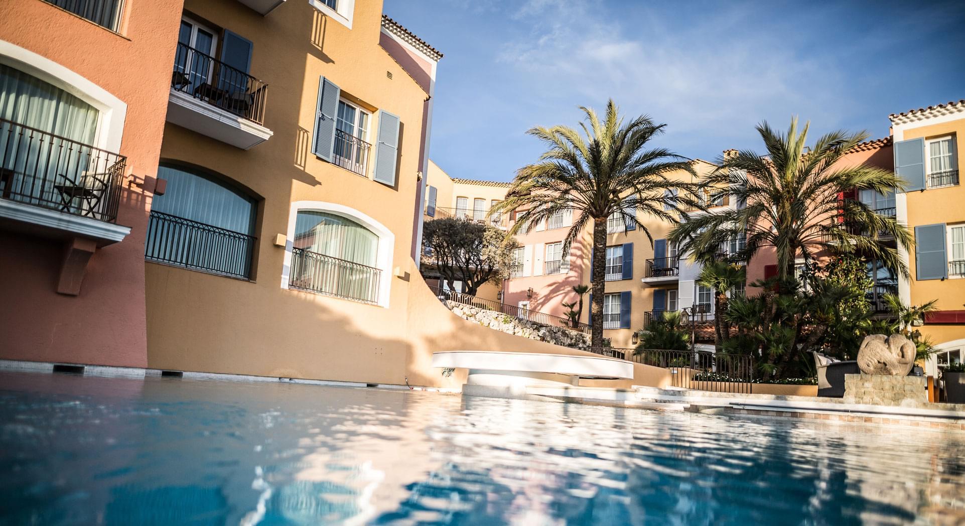 hotel byblos saint tropez piscine pool 1634