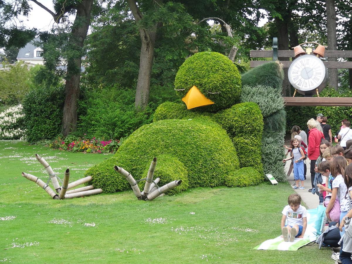 1200px Jardin des Plantes Nantes 2014 07 Le massif du Poussin Endormi JPG