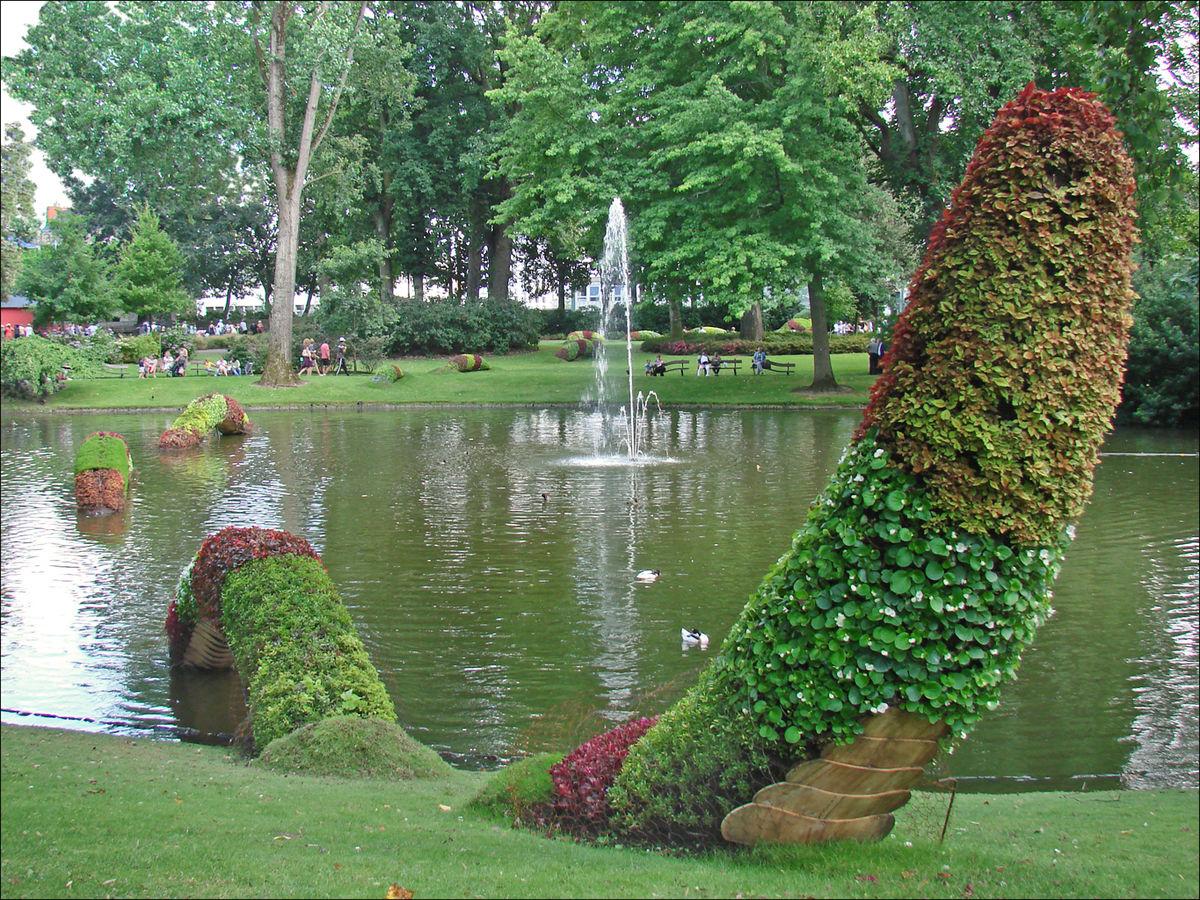 1200px Claude Ponti au jardin des plantes Le Voyage à Nantes 2014 % 2
