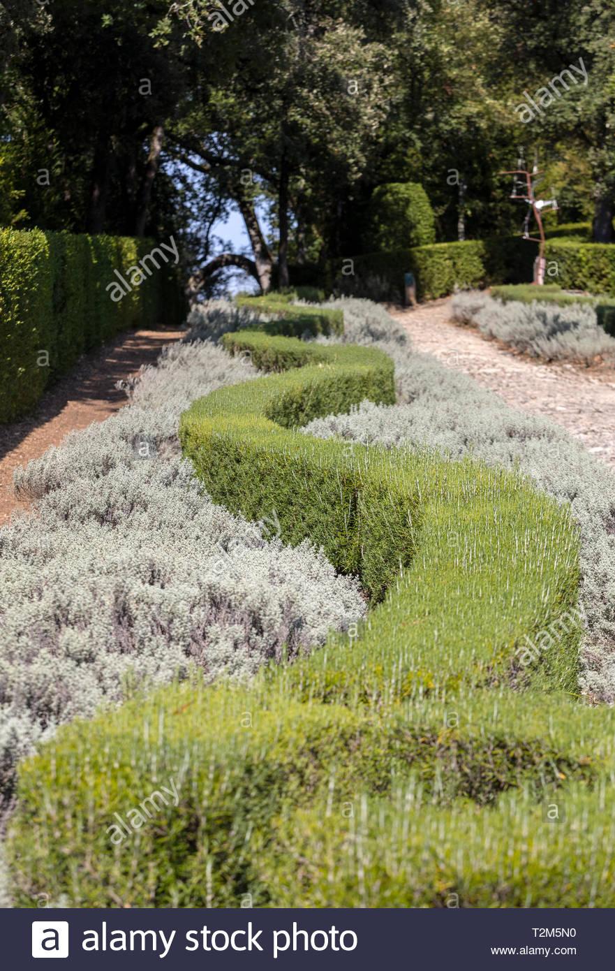 the gardens of the jardins de marqueyssac in the dordogne region of france T2M5N0
