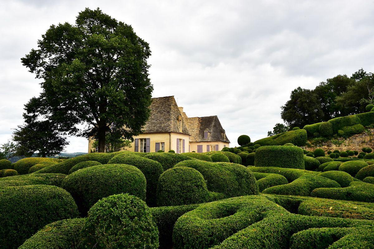 1200px 2015 Jardins de Marqueyssac 3