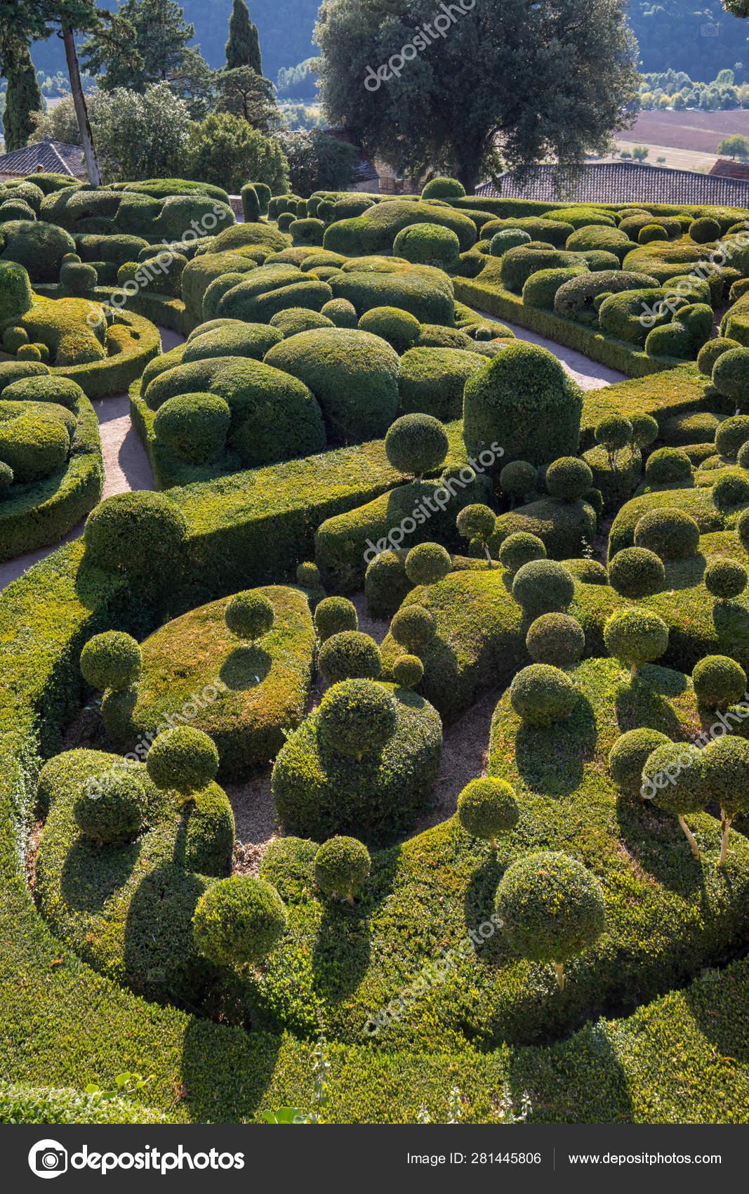 depositphotos stock photo dordogne france september 2018 topiary