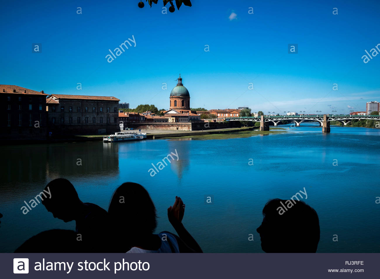 panoramic of la garonne river and dome de la grave in toulouse france RJ3RFE