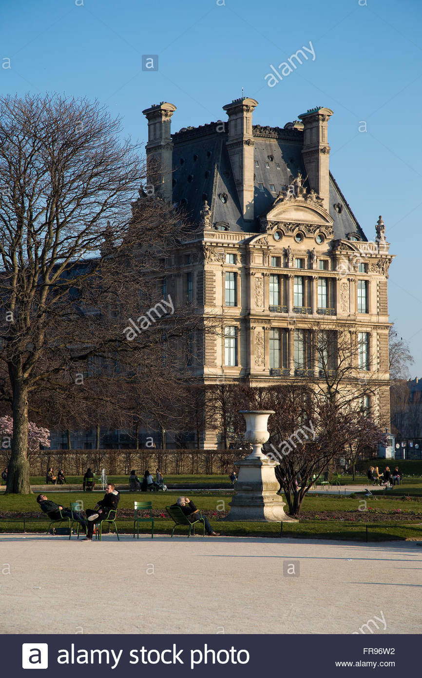 parisians relaxing in the jardin des tuileries in paris france in FR96W2