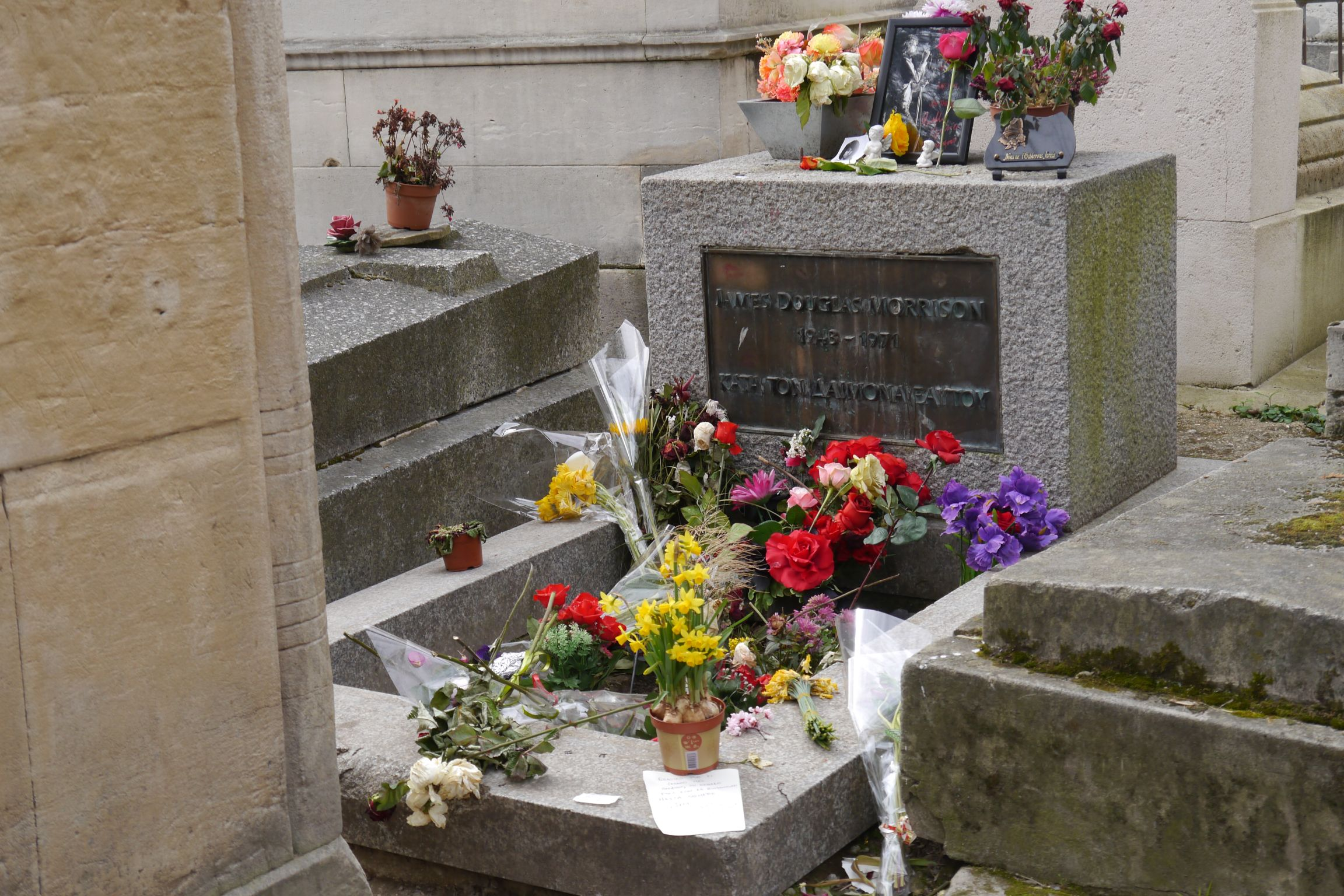 Jardin Du souvenir Pere Lachaise Charmant Jim Morrison Wikiwand