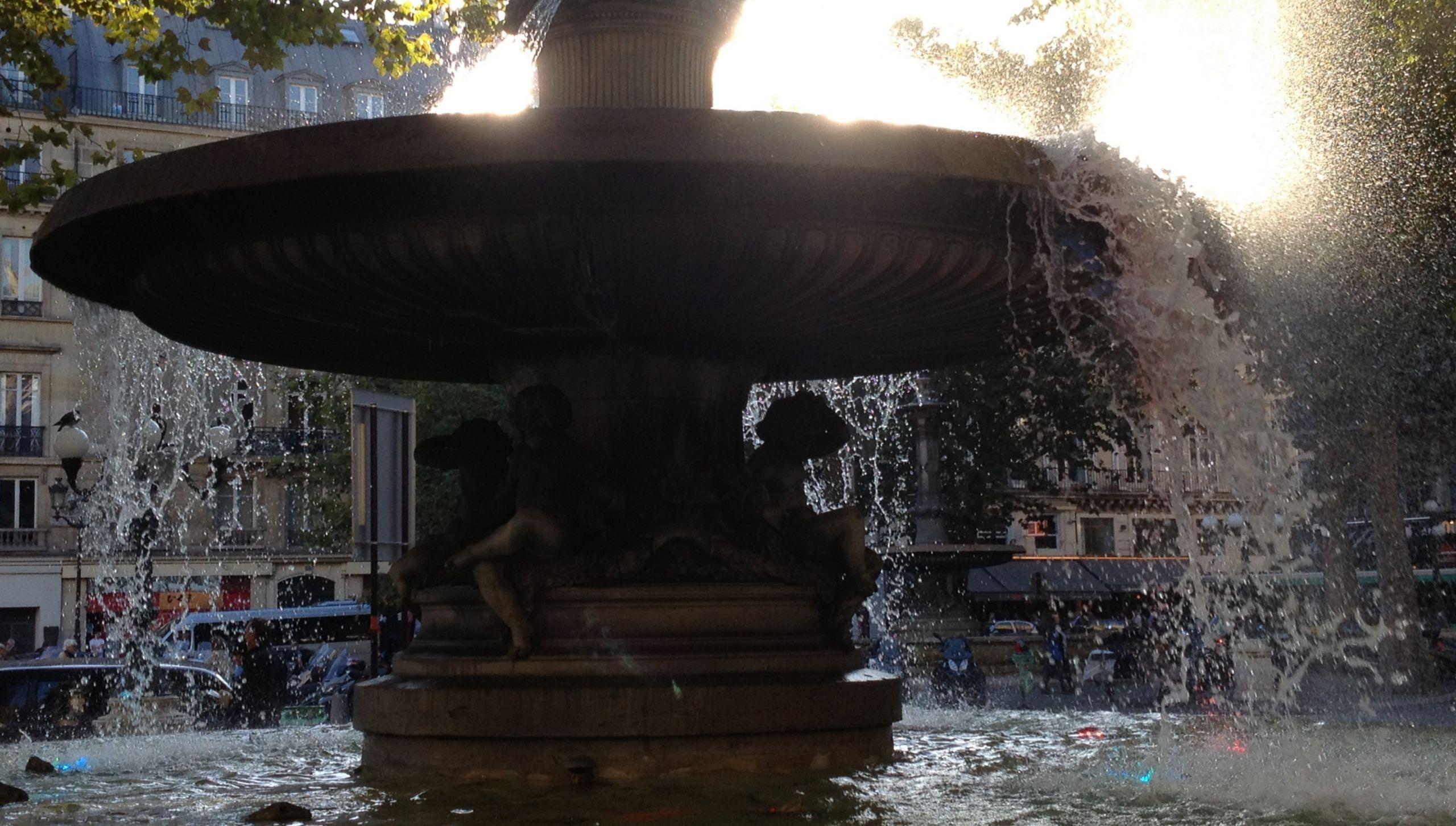 Jardin Du souvenir Pere Lachaise Élégant Fountains In Paris Wikiwand