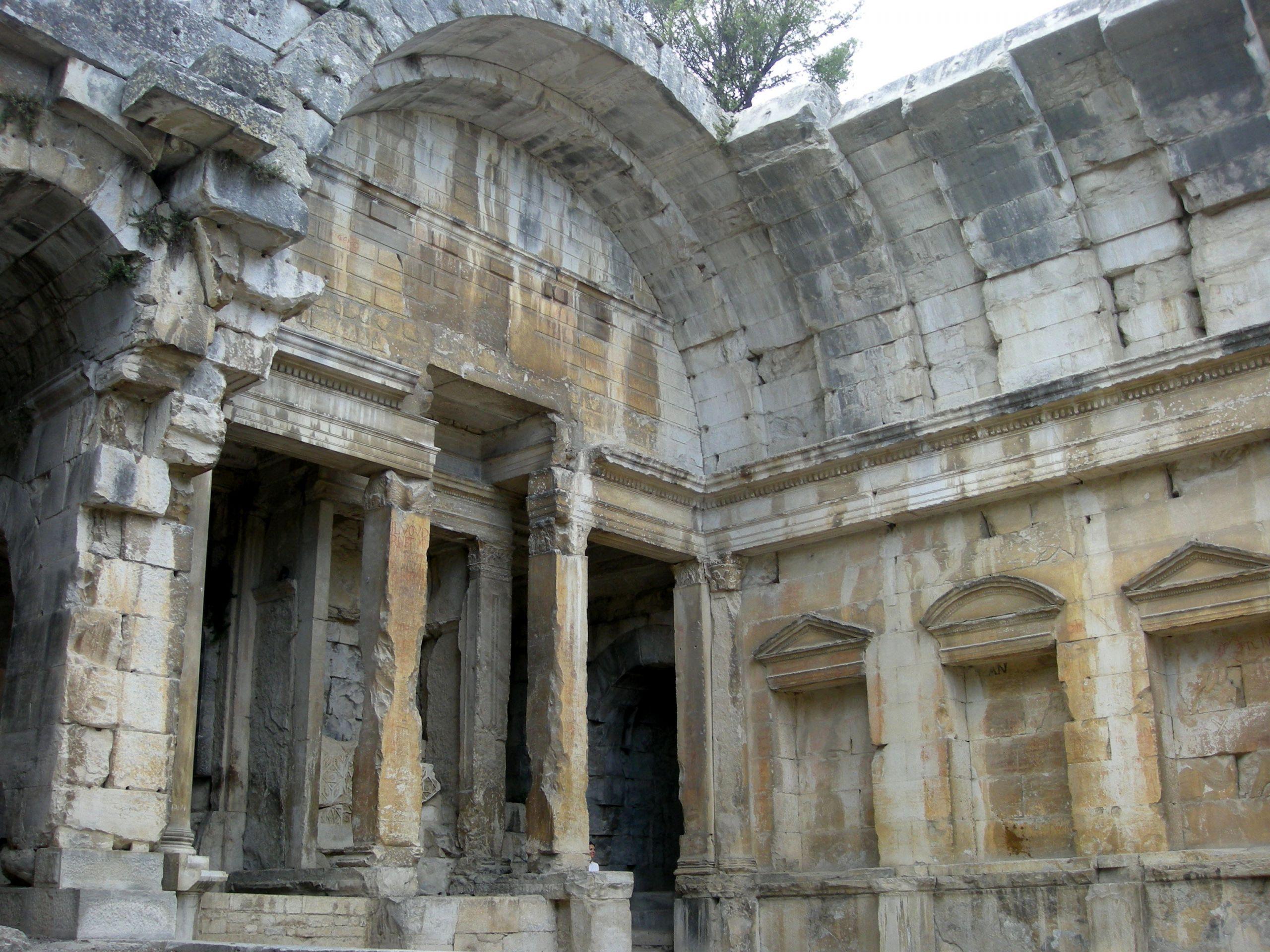 Jardin Nimes Nouveau Temple Of Diana N Mes