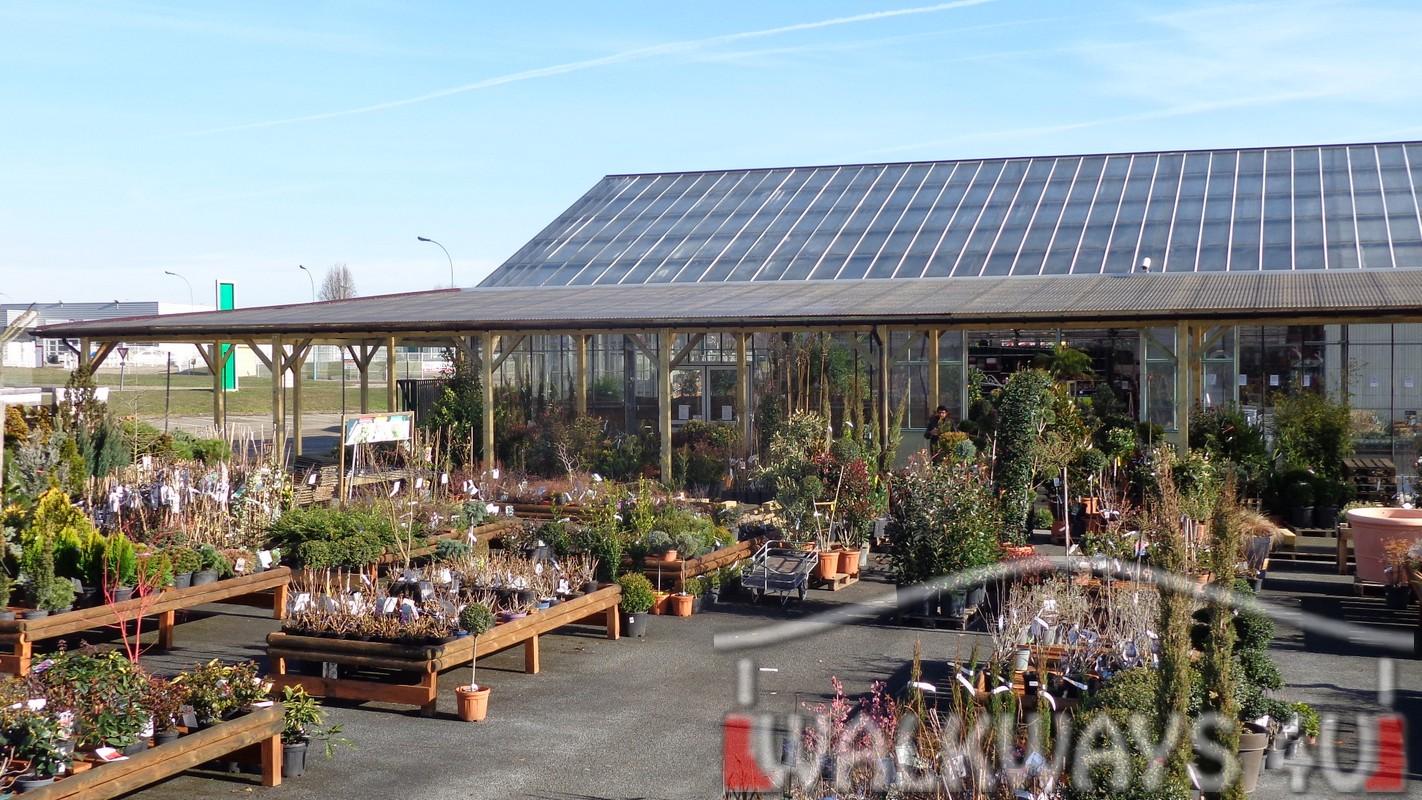 Jardin Val De Saone Frais Roofed Wooden Arcades for the Shopping Center Jardins Du Val