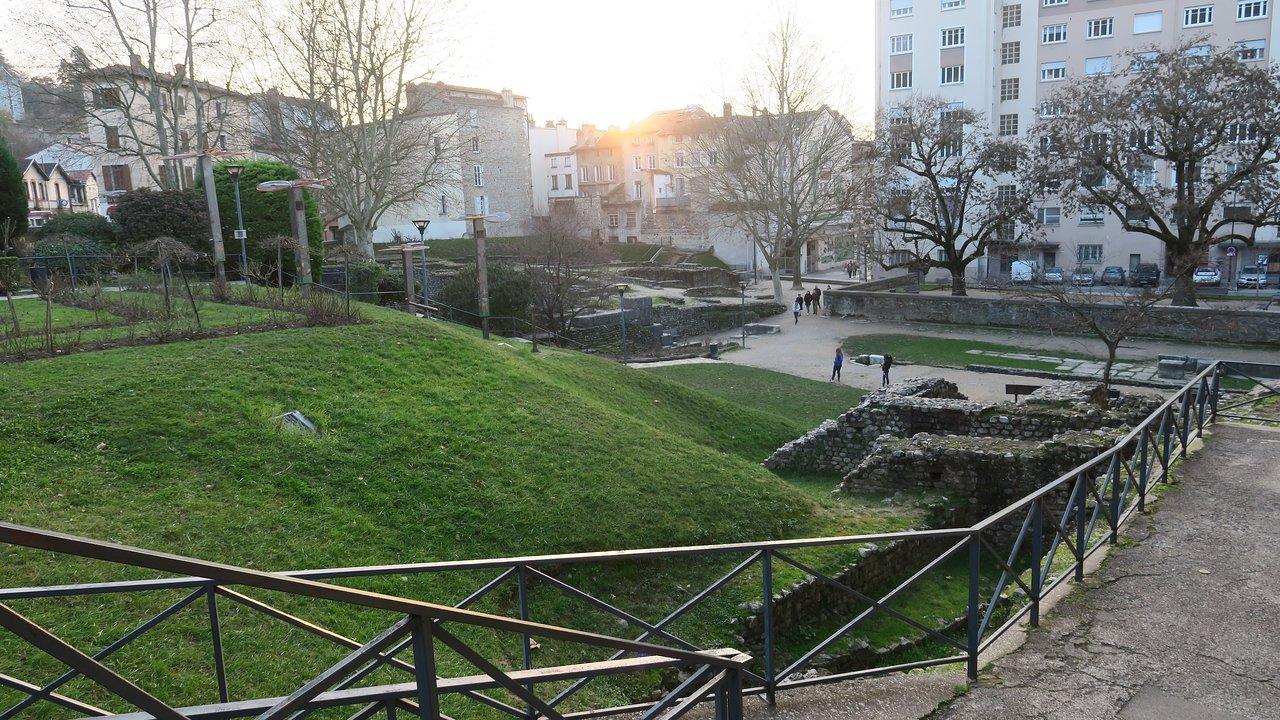 jardin et ruines