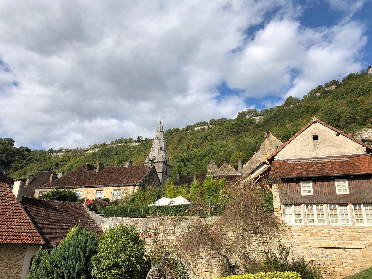 Le Grand Jardin Baume Les Messieurs Génial Abbaye ...