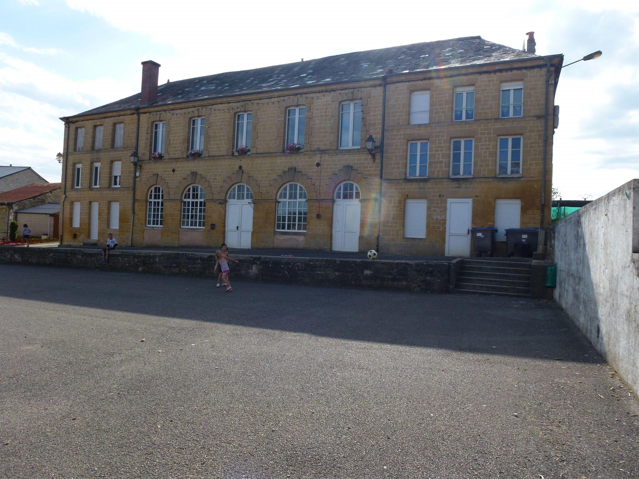 Aubigny les Pothées Ardennes école JPG