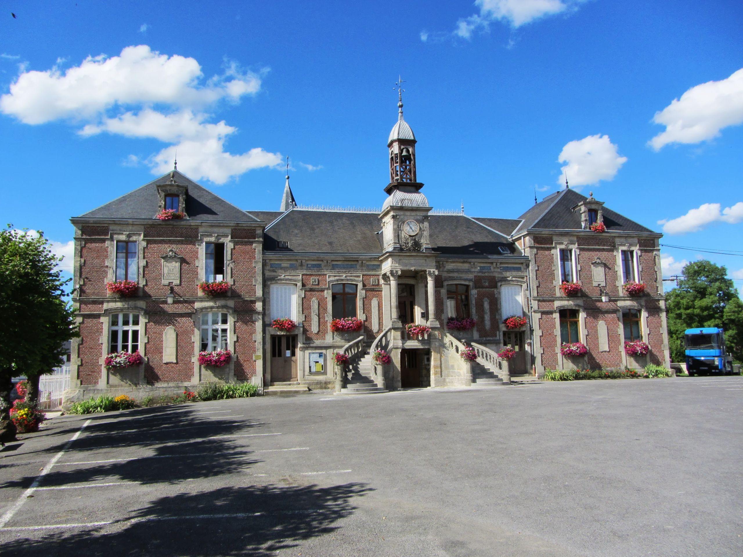 Mairie de Liart panoramio