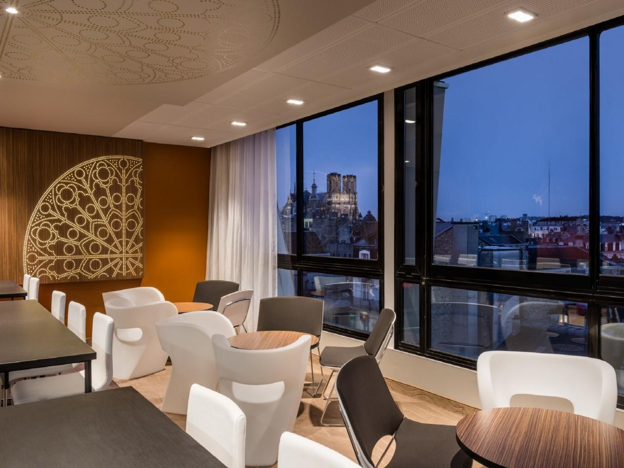 Holiday Inn REIMS CITY CENTRE Reims Hotel Bar 3 1280x1280