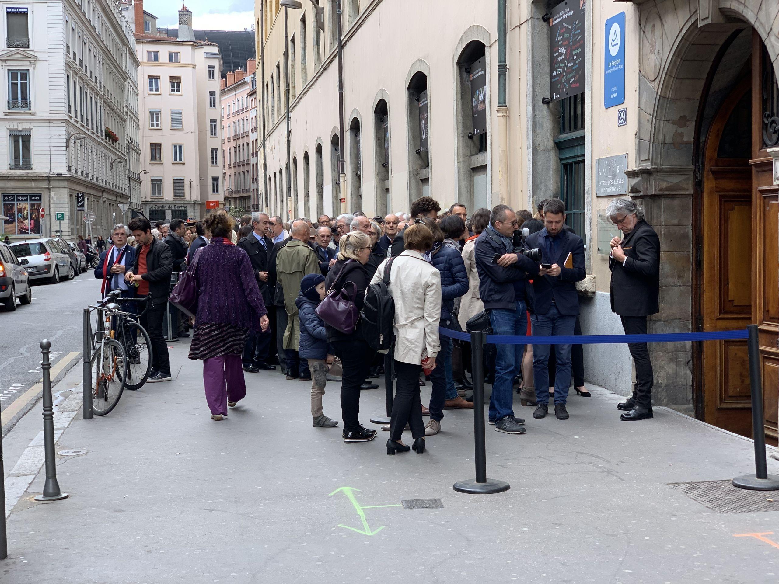 File d attente de la cérémonie du 500e anniversaire du lycée Ampère à Lyon mai 2019