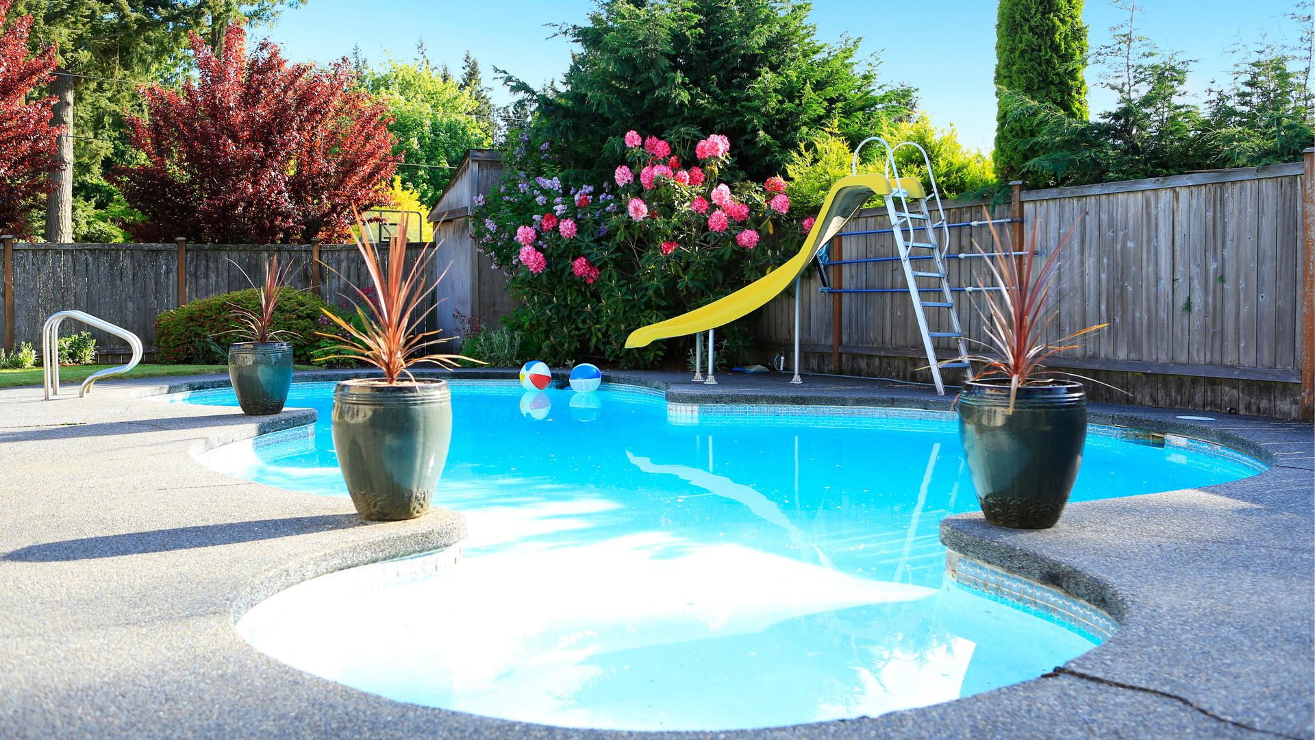 ment installer une piscine dans un petit jardin