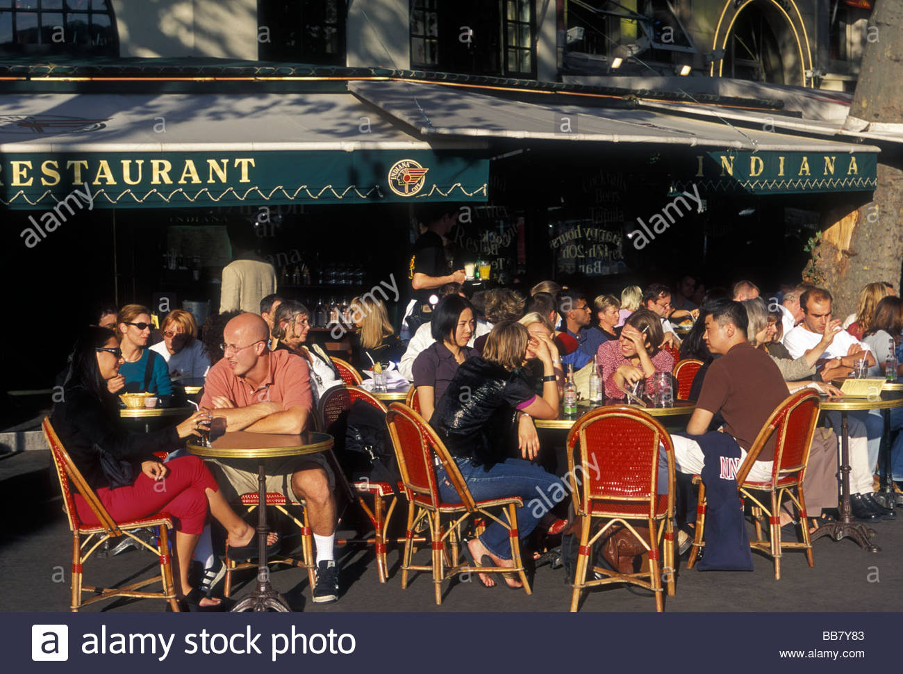 french people tourists eating indiana bastille restaurant french food BB7Y83