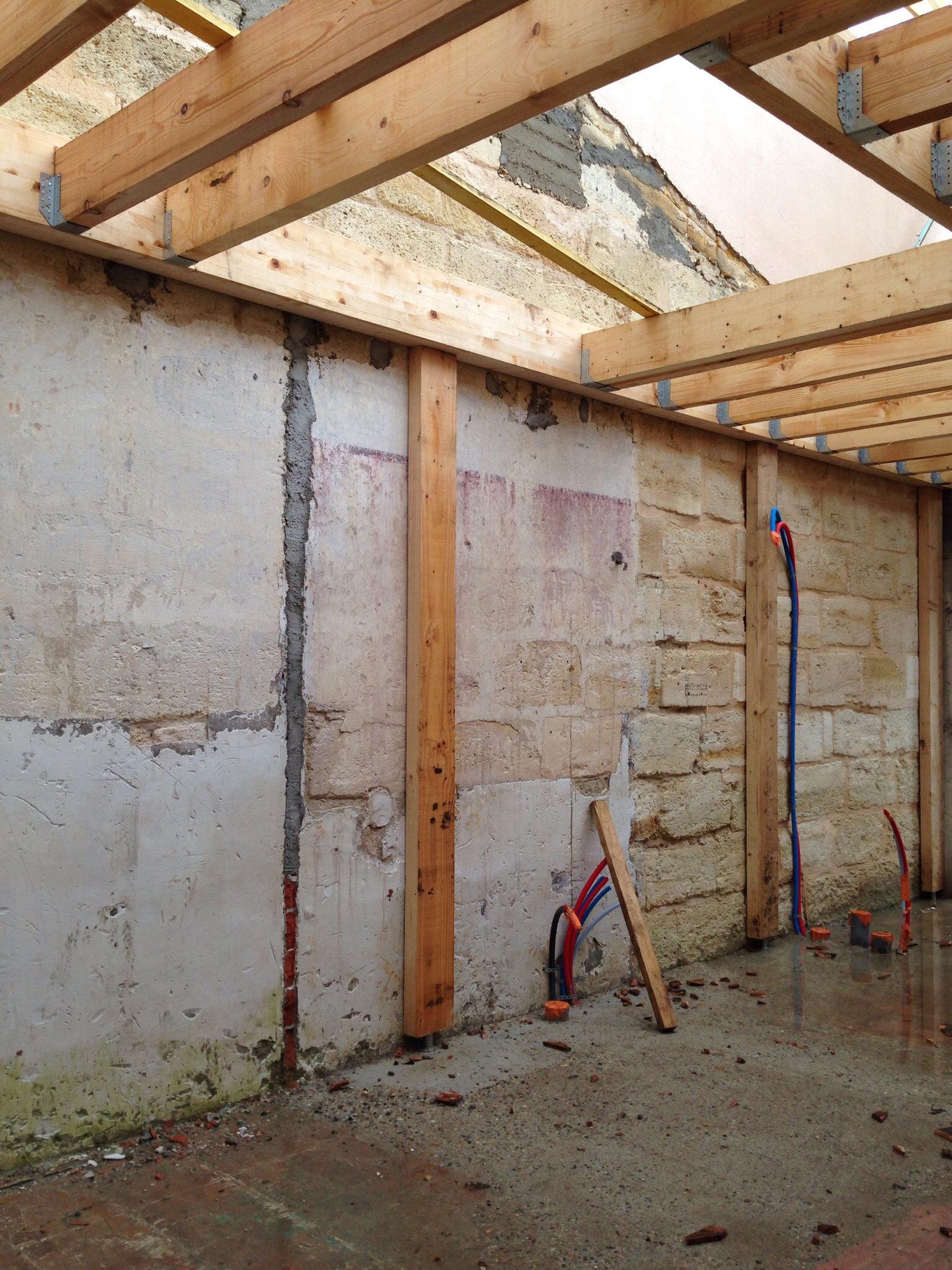 terrasse bois entre 2 murs 1