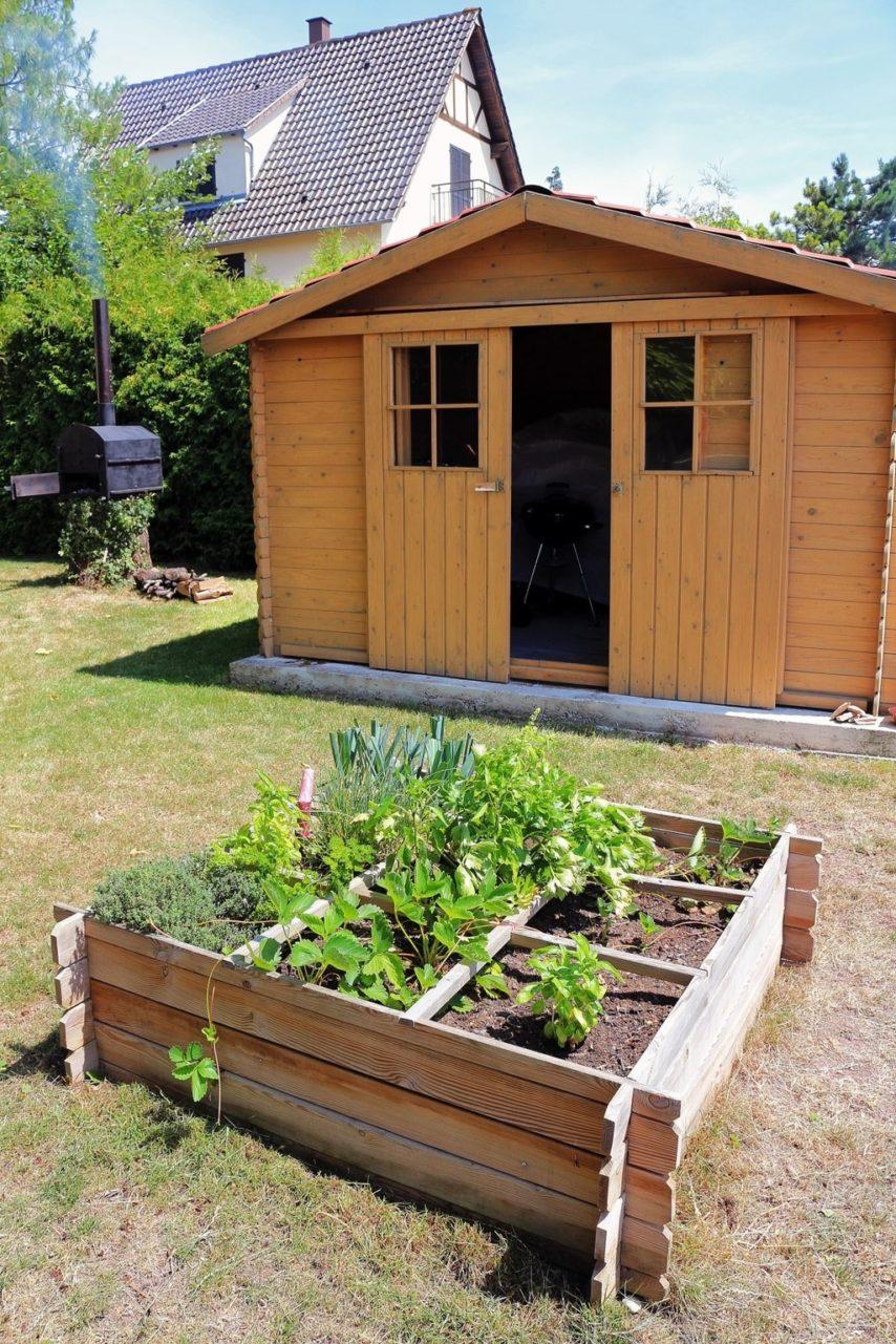 abri de jardin1 jonathan stutz fotolia 854x1281
