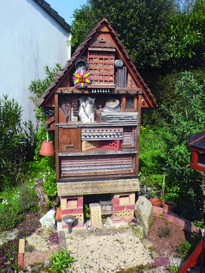 fabriquer un abri a insectes la chronique republicaine serapportanta fabriquer un abri de jardin