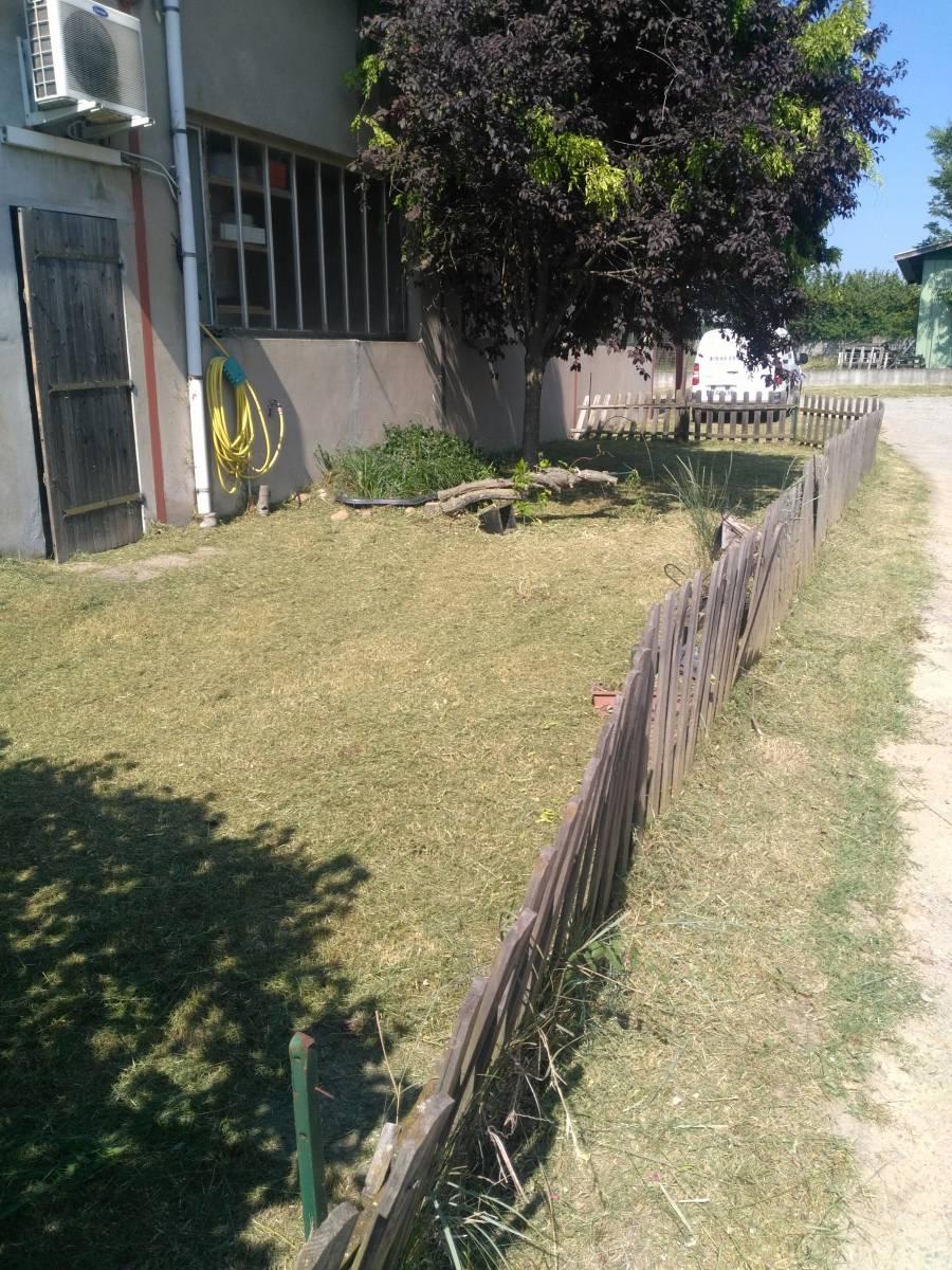 details entretien des parcs et jardins des entreprises a mions 23