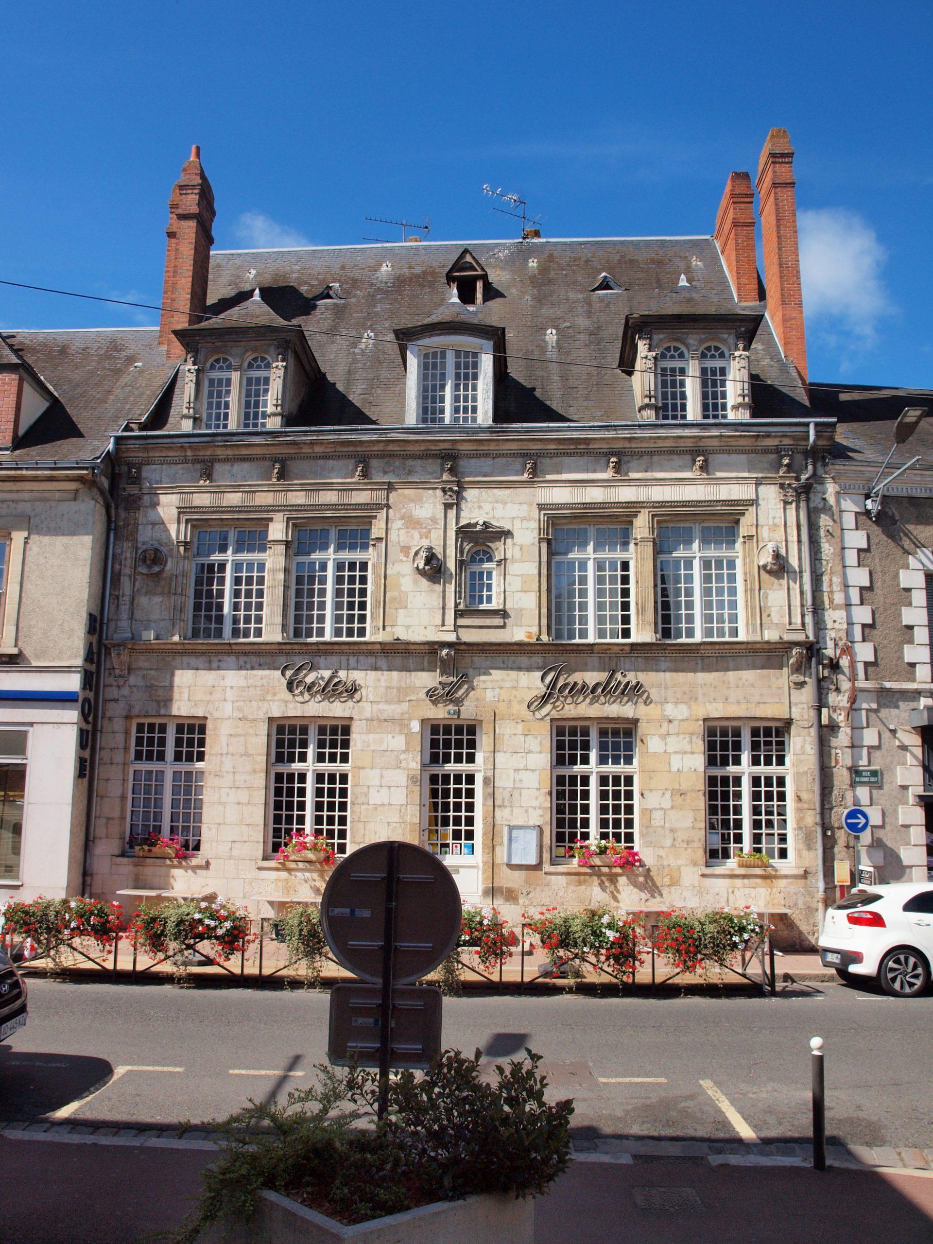 File Sully sur Loire FR 45 restaurant Côtes & Jardin 02
